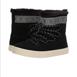New TOMS Alpine Waterproof Boots
